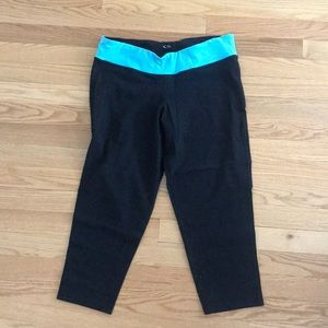 CHAMPION black and teal cropped leggings